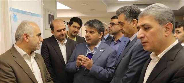 بازدید وزیر اقتصاد از شرکت دادهورزی سداد